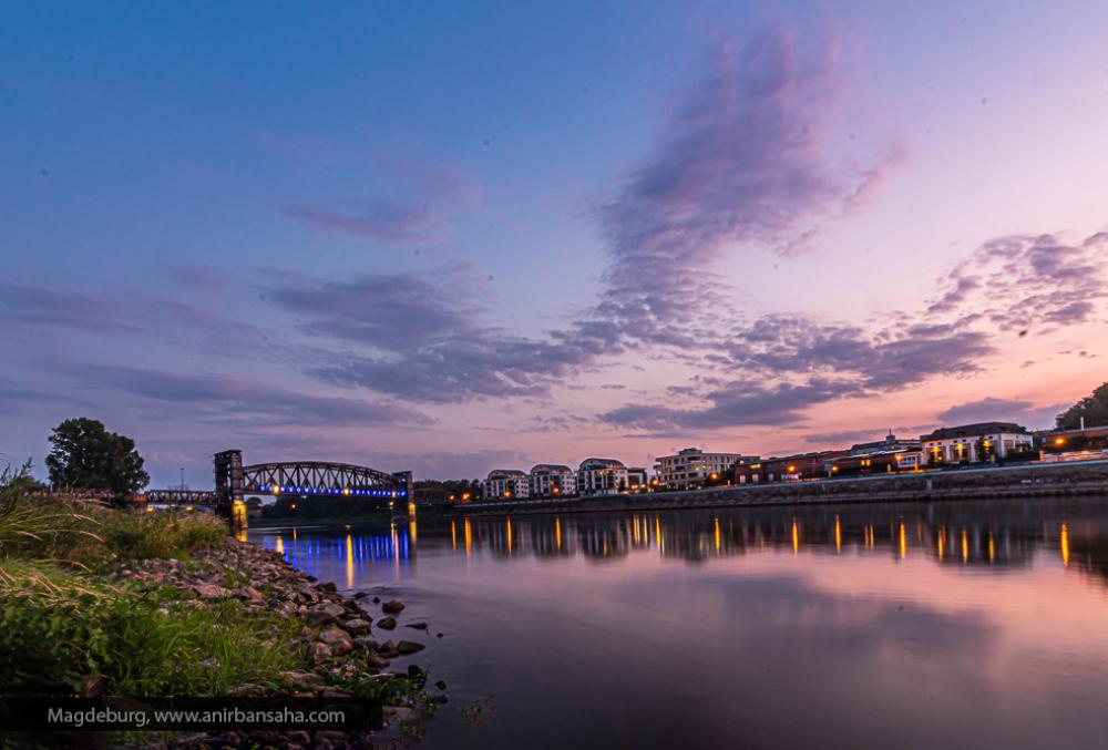 Magdeburg: Od Bridge at sun set.