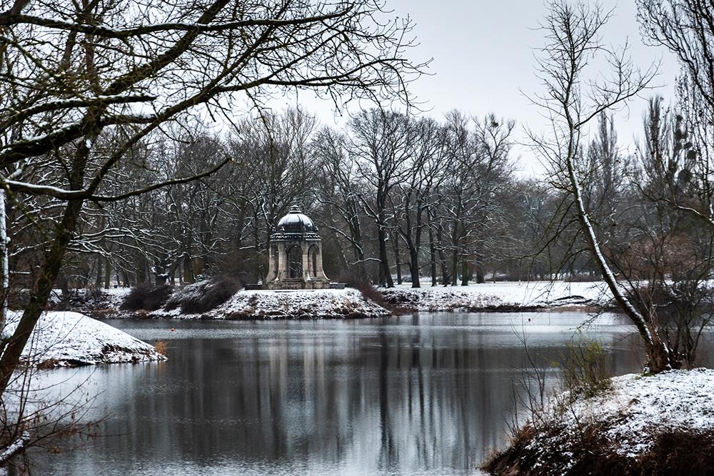 snow in magdeburg, meriantempel